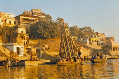 Morgens am Ganges