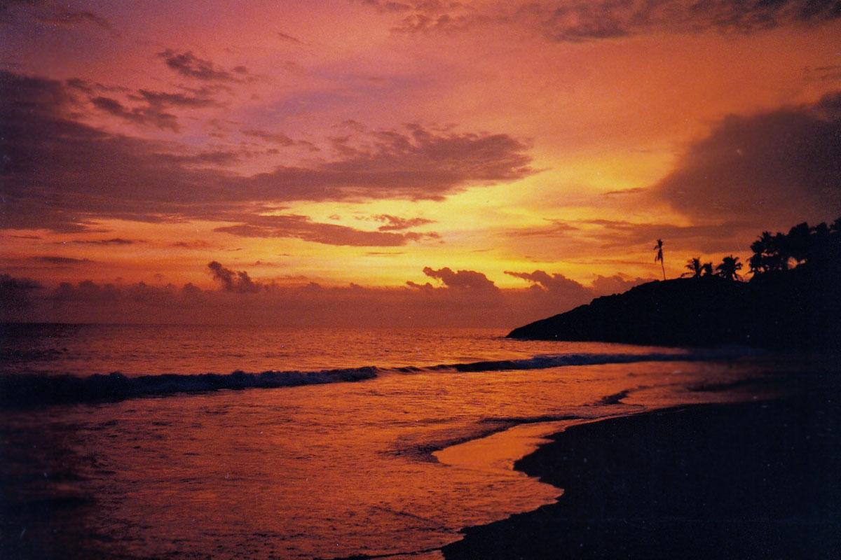 Angelikas reisen reisebericht suedindien 1987 trivandrum for Sonnenschirm indisch
